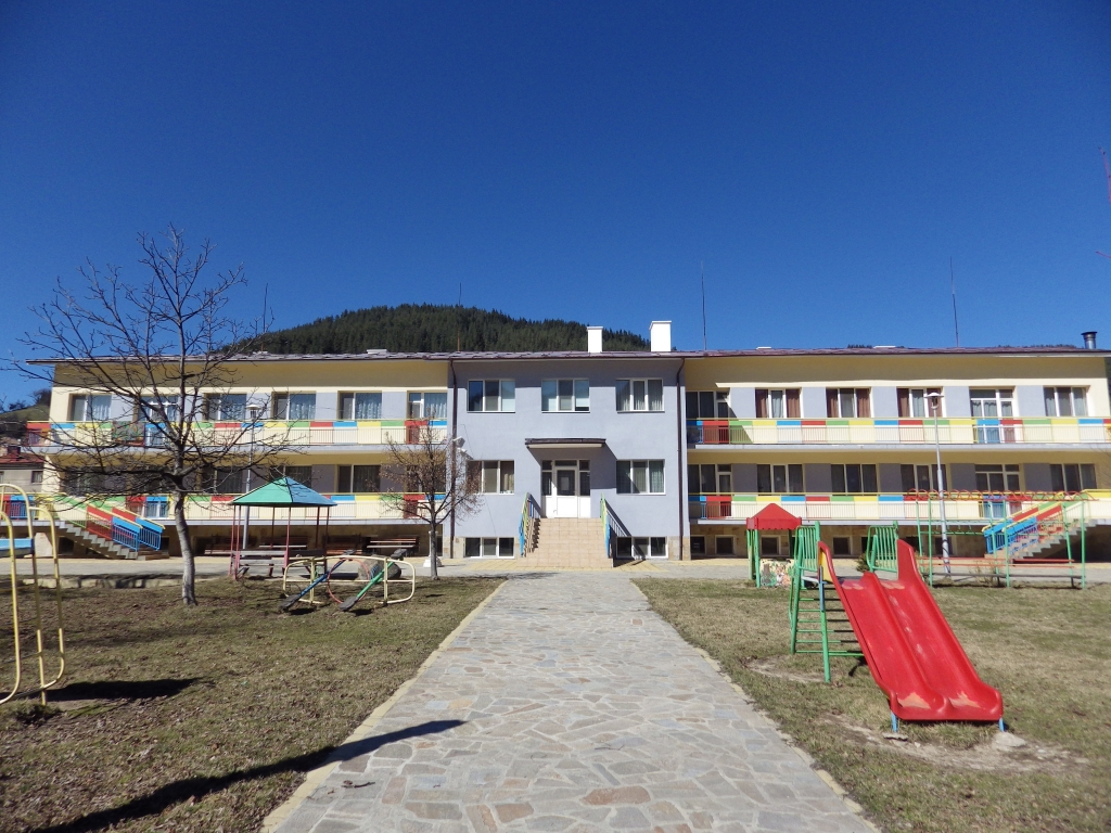 База Елхица